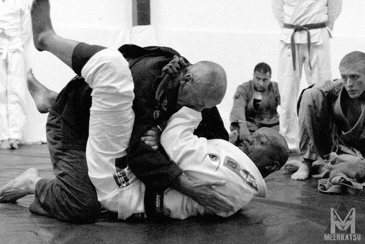 Self Defence – The 'Gracie JJ' v 'Brazilian JJ' Debate